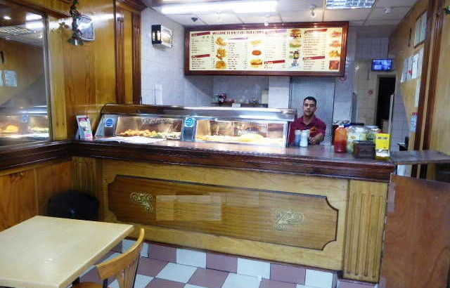 fish-amp-chip-and-chicken-shop-in-south-london_1000X750 2